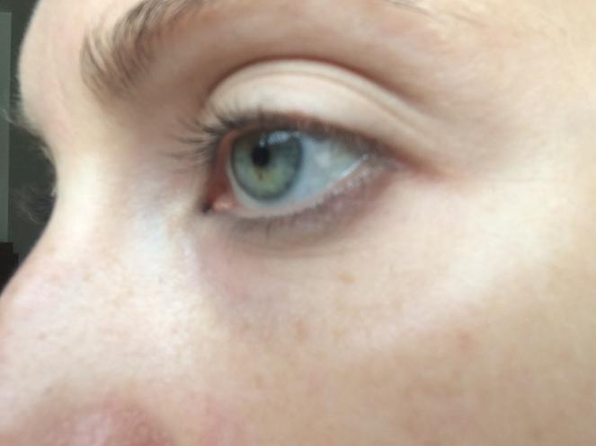 Mon contour des yeux au naturel, sans concealer ni mascara